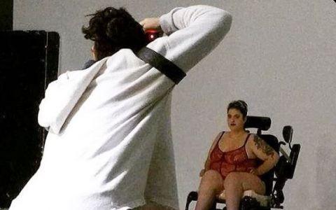 Cum arata de fapt corpul unei femei. Un proiect foto, diferit de tot ceea ce vezi in reviste, face senzatie pe internet