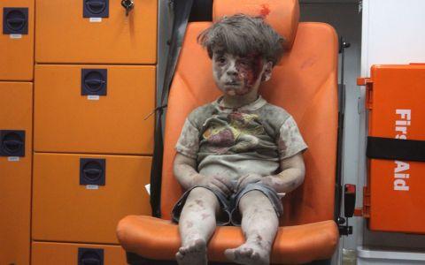 Imaginea care a impresionat o lume intreaga. Efectele razboiului din Siria, evidentiate printr-o fotografie emotionanta