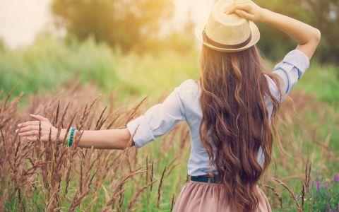Cum grabesti cresterea parului. 3 remedii naturale care te ajuta sa rezolvi aceasta problema