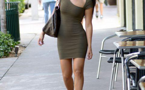 Andrea Calle, aparitie sexy si eleganta pe strazile din Beverly Hills. Cum a impresionat vedeta UFC intr-o zi normala din viata ei