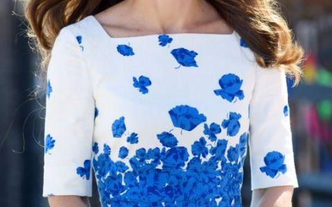 Ducesa de Cambridge, superba intr-o rochie scurta, in timpul unei vizite oficiale