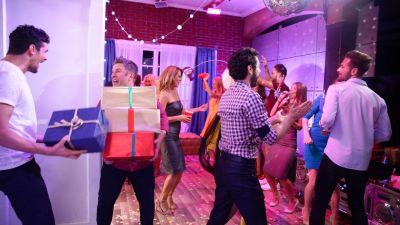 De la petrecere direct pe scena Vocea Romaniei!
