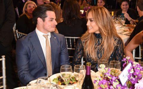 La scurt timp dupa despartirea de Casper Smart, Jennifer Lopez surprinde din nou. A publicat pe Instagram o fotografie in care apare alaturi de Marc Anthony