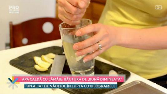 "Apa calda cu lamaie: bautura de ""buna dimineata"""