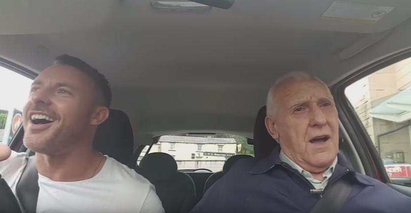 Tatal sau suferea de Alzheimer, dar nu l-a lasat sa se lupte singur cu boala. Dovada ca iubirea si devotamentul inving orice obstacol