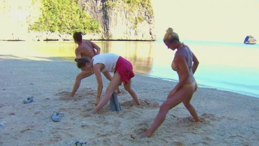 Fetele din Tribul Tubig, show de senzatie pe plaja. Andrei a fost cel mai privilegiat baiat