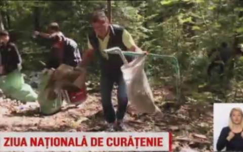 Let s do it Romania  - Ziua Nationala a Curateniei. Voluntarii au adunat 7.000 de saci cu gunoaie doar in judetul Brasov