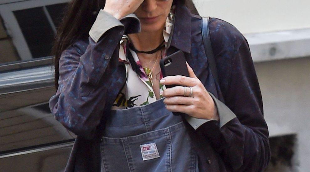 Dupa divortul de Ashton Kutcher a disparut din lumea mondena. Cum arata Demi Moore, la 54 de ani
