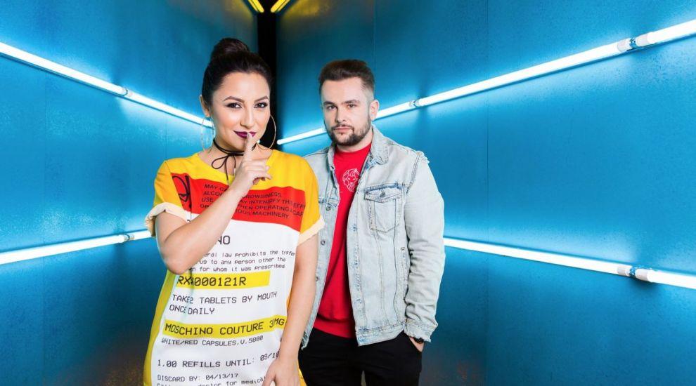 "Andra lanseaza astazi videoclipul melodiei ""Floare de nu-ma-uita"". Cantareata este invitata ""La Maruta"""