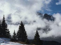 Imagini de o frumusete rara in Muntii Bucegi, la cota 2300. Explicatia fenomenului surprins de un turist