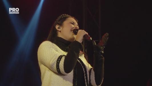 """Andra, interpretare de exceptie a piesie """"Cine iubeste si lasa"""""""