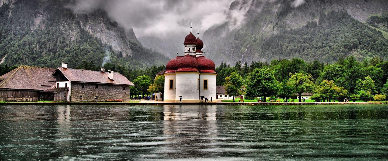 Top cele mai frumoase biserici din lume. Una dintre ele se afla in Romania