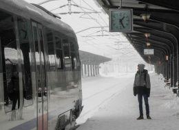 CFR a introdus primul vagon special pentru cei care practica sporturile de iarna. Cat costa un bilet Bucuresti - Brasov