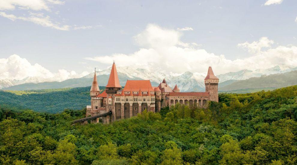 Planuri mari pentru Castelul Corvinilor. Cum ar putea arata superba constructie dupa reamenajare