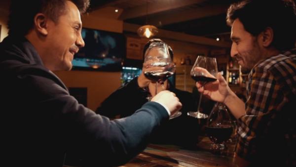 Un nou juriu, un nou sezon MasterChef. Prinde gustul competitiei in curand, la Pro TV!
