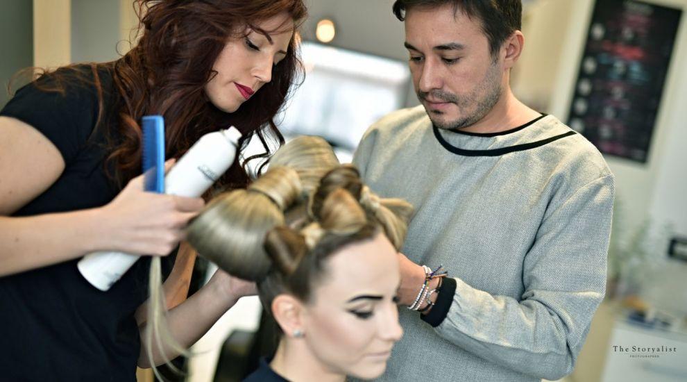 "Sandra Izbasa a fost transformata in ""Alice in tara minunilor"" de hairstylist-ul Adrian Perjovschi"