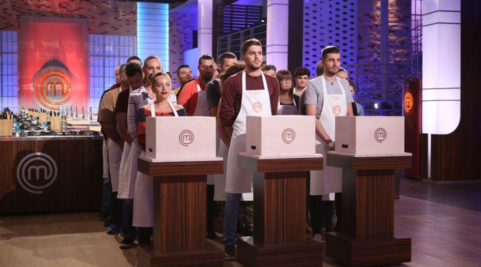 In aceasta seara incepe aventura culinara pentru cei 24 de concurenti din bucataria MasterChef