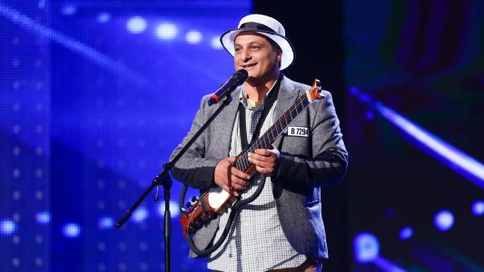 "Romanii au talent 2017: Victor Barbu - Interpreteaza la chitara piesa ""Sway"""