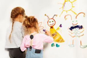 Copiii internati la Spitalul Zarnesti au parte de un tratament eficace: terapia prin culoare