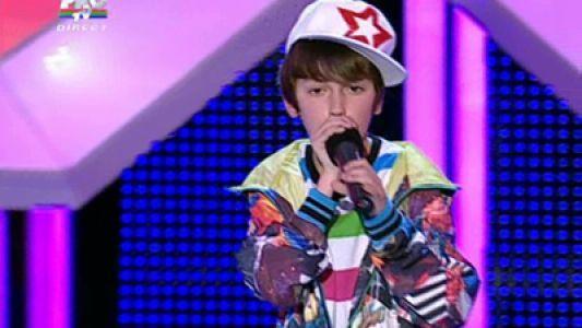 Il mai stii pe Cosmin Agache, pustiul care era ca o masinarie de beatbox? Cum arata acum