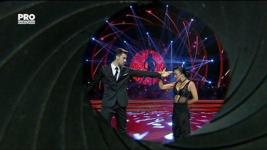 Uite cine danseaza 2017: Liviu Teodorescu si Marica Derdene - Slowfox
