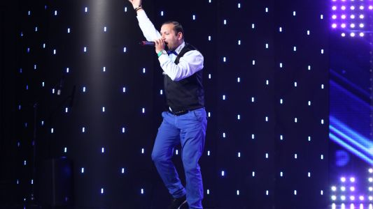 "Romanii au talent 2017: Viorel Stanescu - interpreteaza melodia ""Atlantis is calling"""
