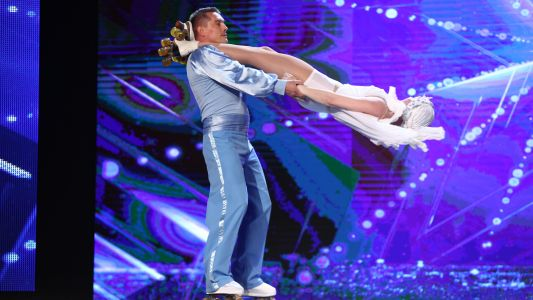Romanii au talent 2017: Radu si Olena Mititelu - moment de roller skating