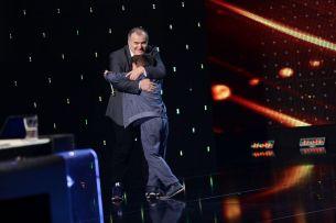 Vineri a fost vreme excelenta pentru talent! Florin Calinescu a apasat Golden Buzz pentru un numar de beatbox!