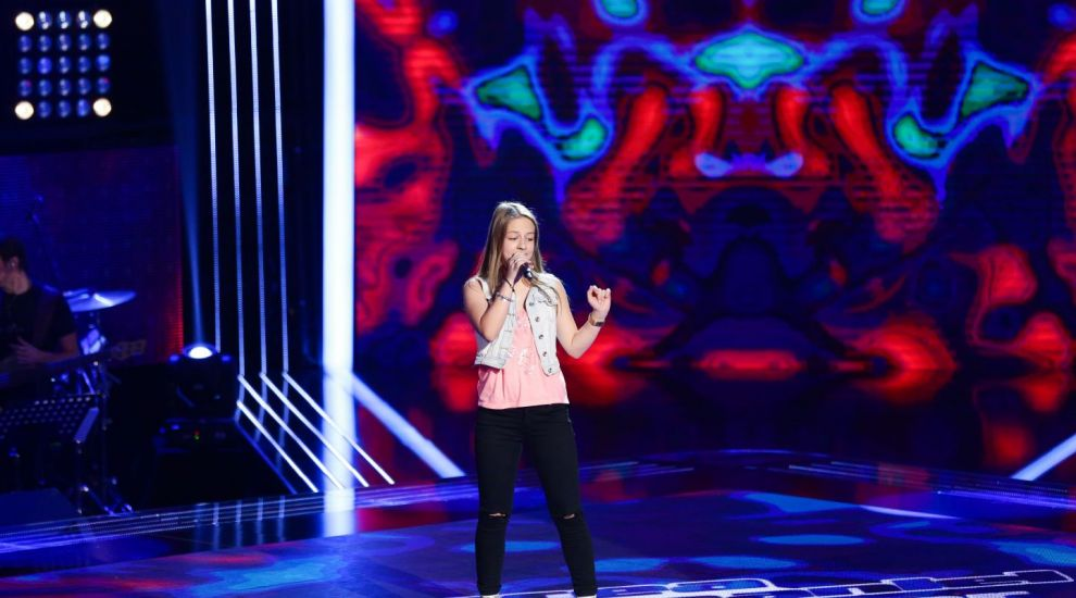 """Jennifer Dumitrascu a cantat cu atitudine si a impresionat cu piesa """"Nobody's Perfect"""". Prestatia ei l-a cucerit pe Moga"""