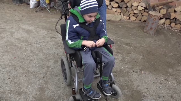Mateo, un copil de 8 ani, are nevoie de donatii pentru a se opera in Germania.  Are 8 boli si are nevoie de ajutor