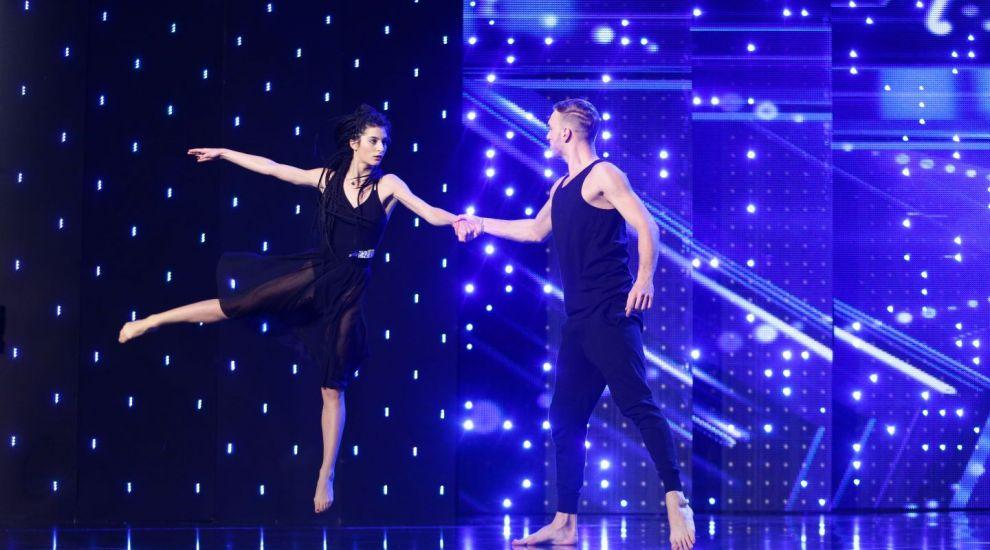 """""""A fost poezie!"""". Au spus o poveste de iubire si au dat o noua definitie dansului. Miscarile lor au amutit publicul"""