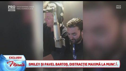 Smiley si Pavel Bartos, distractie maxima la munca