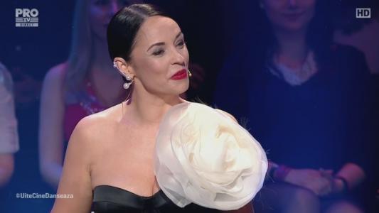 Andreea Marin a purtat o rochie demna de marea finala