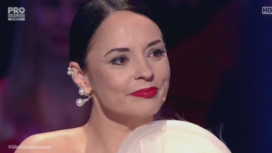 Andreea Marin i-a urmarit cu ochii in lacrimi, iar la final si-a explicat reactia