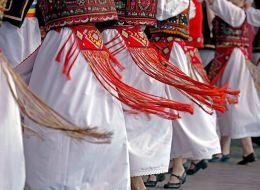 Peste 10.000 de persoane din Nasaud incearca sa intre in Cartea Recordurilor. Vor sa organizeze cel mai mare dans