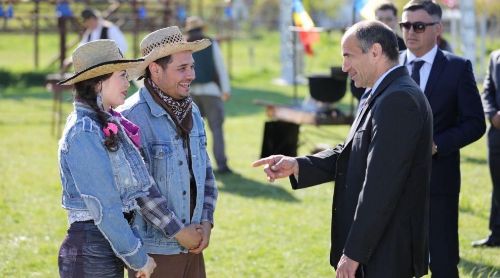 Consulul General al SUA la Bucuresti viziteaza Las Fierbinti!
