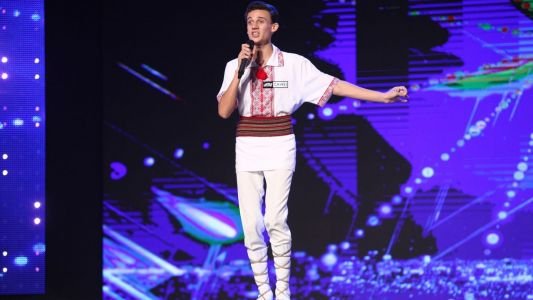 Romanii au Talent 2017: Gabriel Nebunu - moment de folclor