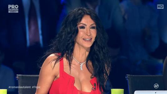 Mihaela Radulescu, eleganta intr-o rochie rosie in cea de-a patra Semifinala Romanii au talent