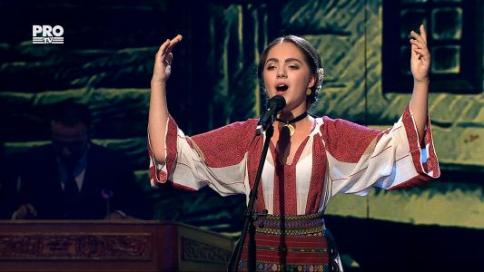 "Romanii au talent 2017 - Semifinala 5: Antonia Stoian - Interpreteaza piesa ""Cine iubeste si lasa"""