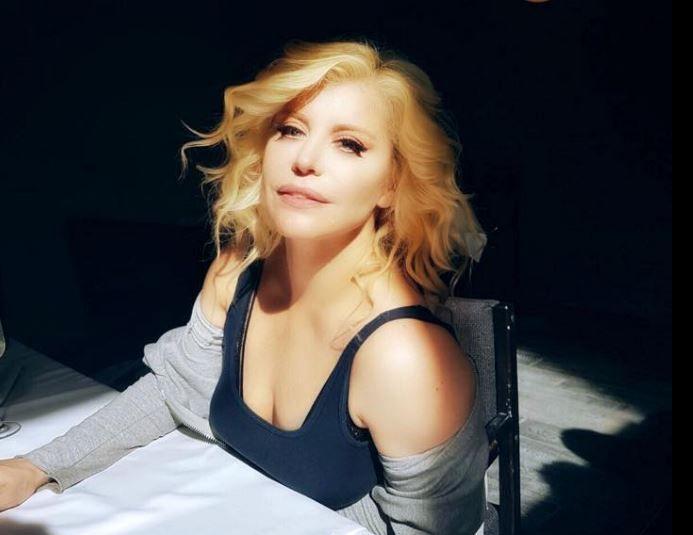 """Loredana lanseaza single-ul """"Fugit din Rai"""" - Lyric Video"""