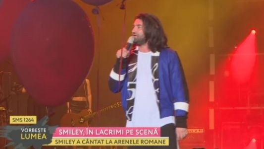 Smiley, in lacrimi pe scena