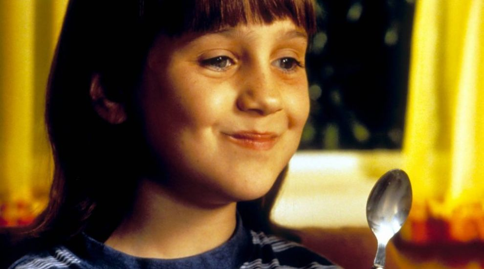 "Aparitie rara! Cum arata la 29 de ani fetita care a facut furori in filmul ""Matilda"""
