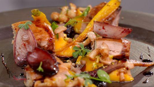 Piept de fazan cu dulceata de merisoare si ciupercute
