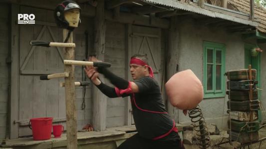 Robi face karate