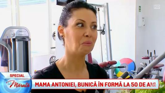 Mama Antoniei, bunica in forma la 50 de ani!