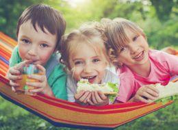 Taberele de zi pentru copii, pline de activitati distractive. Cat ii costa pe parinti