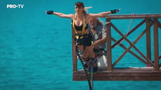 Andreea Antonescu in Proba Bungee Jumping la Fort Boyard