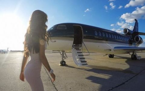 Adevarul din spatele pozelor cu avioane private ale copiilor milioanarilor rusi. Costa o avere, dar merita toti banii