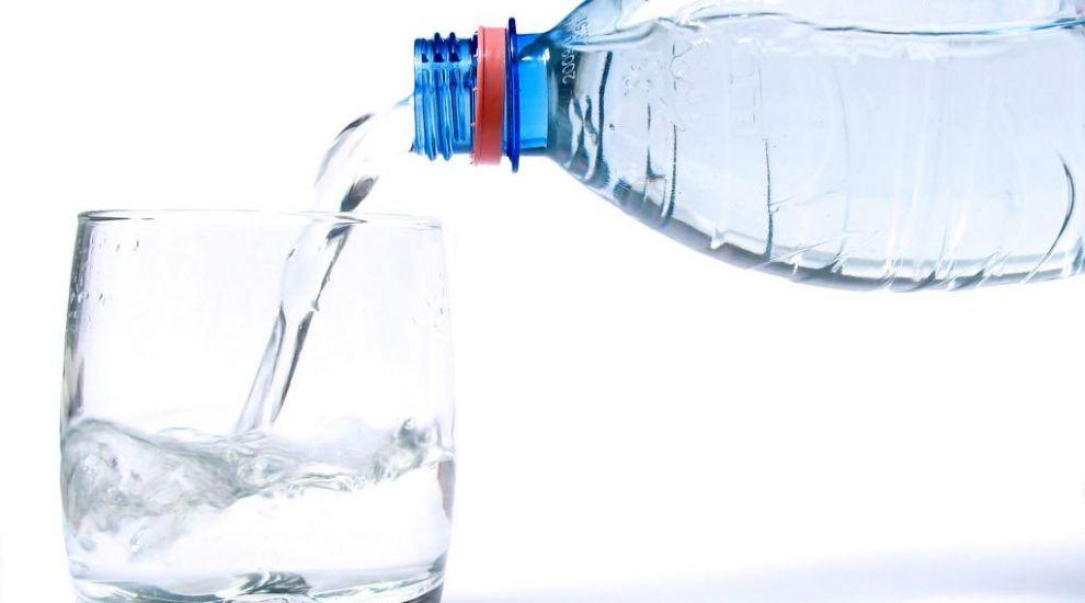 Ce spun ultimele studii despre consumul de apa. Cat trebuie sa bei zilnic ca sa fii sanatos