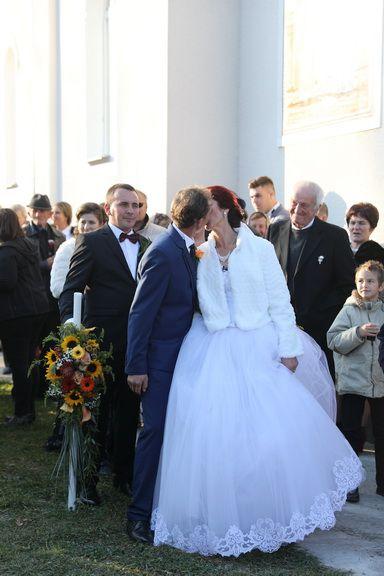 Imagini exclusive de la nunta lui Marin Cazan cu Marcela. Cum s-au prezentat cei doi miri in cea mai importanta zi